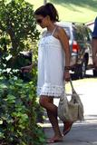 th_98377_Halle_Berry_out_and_about_in_LA_23_122_387lo.jpg