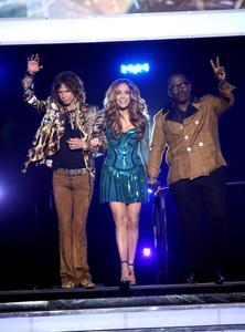 Jennifer Lopez - American Idol Show - May 24, 2011 4x
