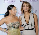 th_64129_Halle_Berry_2009_Jenesse_Silver_Rose_Gala_Auction_in_Beverly_Hills_110_122_459lo.jpg