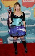http://img183.imagevenue.com/loc579/th_185373375_Kirsten_Vangsness_Entertainment_Weeklys_Comic_Con_Party1_122_579lo.jpg